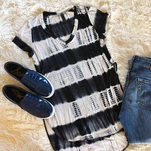 wish • high-low black + white striped tee